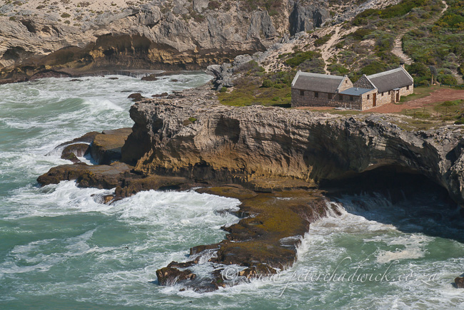 de hoop whale trail hut by wildlife and conservation photographer Peter Chadwick