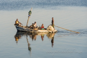 Mozambican fishers by wildlife and conservation photographer Peter Chadwick.jpg